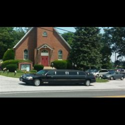 Cooperstown 535.jpg black 10 passenger Lincoln